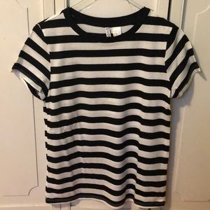 H&M black and white striped t-shirt short sleeve